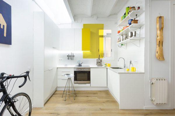 Mẫu nhà bếp nhỏ đẹp màu trắng kết hợp hệ tủ bếp chữ I