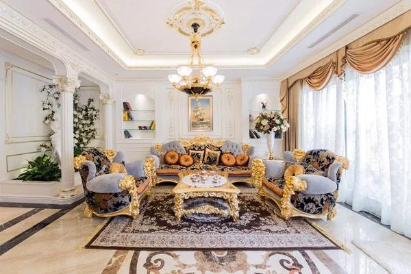 Mẫu phòng khách theo phong cách cổ điển Hoàng Gia