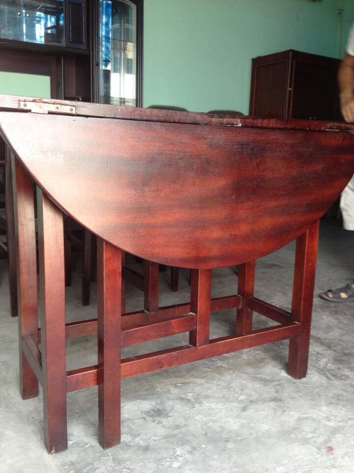 Mẫu bàn ăn tròn xếp được bằng gỗ