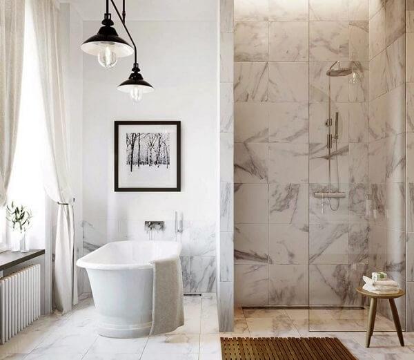Nhà vệ sinh được ốp bằng đá cẩm thạch