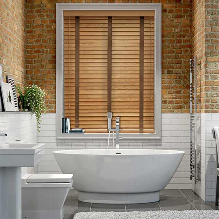 Rèm gỗ chắn nắng chống ẩm cho phòng tắm