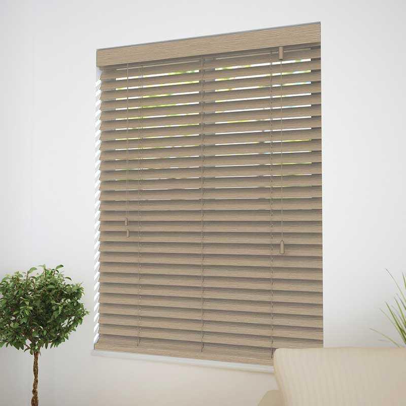 Rèm gỗ tự nhiên hiện rõ vân gỗ cho phòng khách