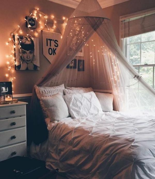 Trang trí phòng ngủ bằng đèn đom đóm