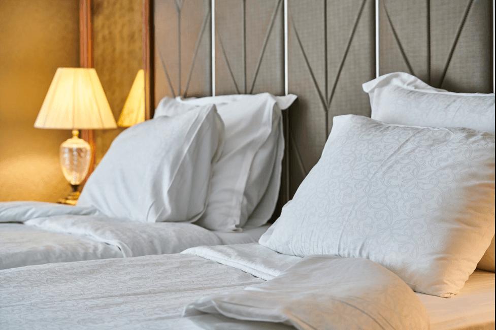 Đèn bàn đầu giường
