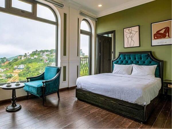 Mẫu thiết kế phòng ngủ khách sạn tone xanh