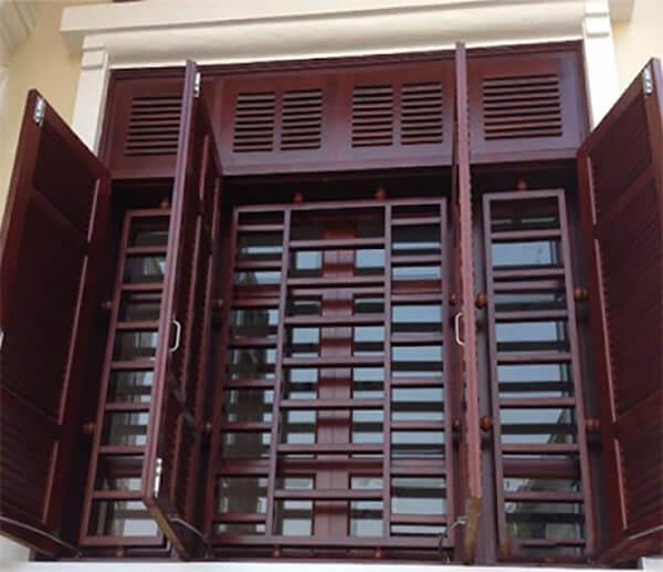 Làm khung bảo vệ cửa sổ bằng gỗ chắc chắn