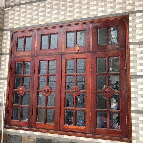 Mẫu cửa sổ cổ kính 4 cánh